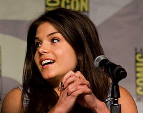 Marie Avgeropoulos Comic-Con 2013.jpg