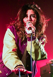 Marina & the Diamonds na turneji 2009.