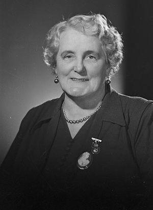 Mary Dreaver - Image: Mary Dreaver, 1940's