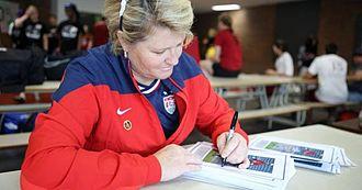 Mary Harvey - Harvey signing autographs in 2015