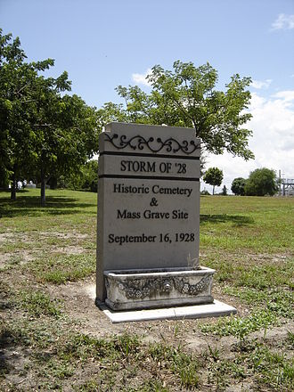 1928 Okeechobee hurricane - Historical marker at the mass grave in West Palm Beach