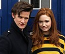 Matt Smith e Karen Gillan como o Doutor e Amy Pond.