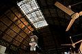 Mercado del puerto (vista del techo y tragaluz).jpg