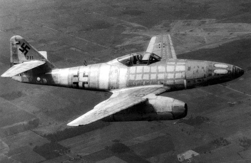 Ficheiro:Messerschmitt Me 262 050606-F-1234P-055.jpg