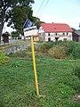 Milíčov (RA), zastávka LEXTRANS a dům č. p. 17.jpg