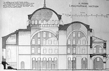 Sección longitudinal de Santa Irene (Estambul).