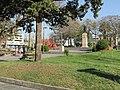 Monumento Artigas - Plaza Constitución - Melo - Vista de monumento y plaza.JPG