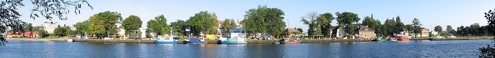 English: East wharfPolski: Nabrzeże wschodnie