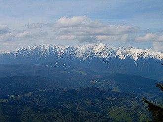 Bucegi Mountains - Image: Muntii Bucegi vazuti de pe Postavaru