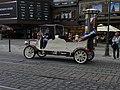 Náměstí Republiky, staré auto před Kotvou.jpg
