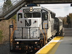 Train pulls into Lindenwold Station