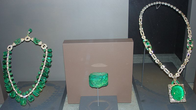 Archivo:National Museum of Natural History Emeralds 1.JPG