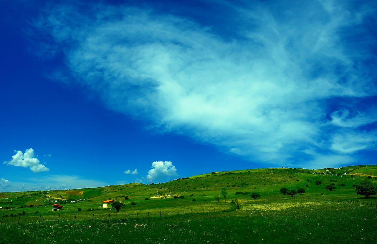 دیلمان (به گیلکی: دیلٚمؤن) شهری است در شهرستان سیاهکل استان گیلان که در شمال ایران واقع شدهاست