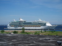 Navigator of The Seas at Linnahall 10 June 2007.jpg