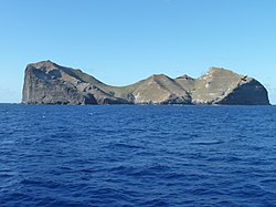 Nihoa, Northwestern Hawaiian Islands, USA-2012.jpg