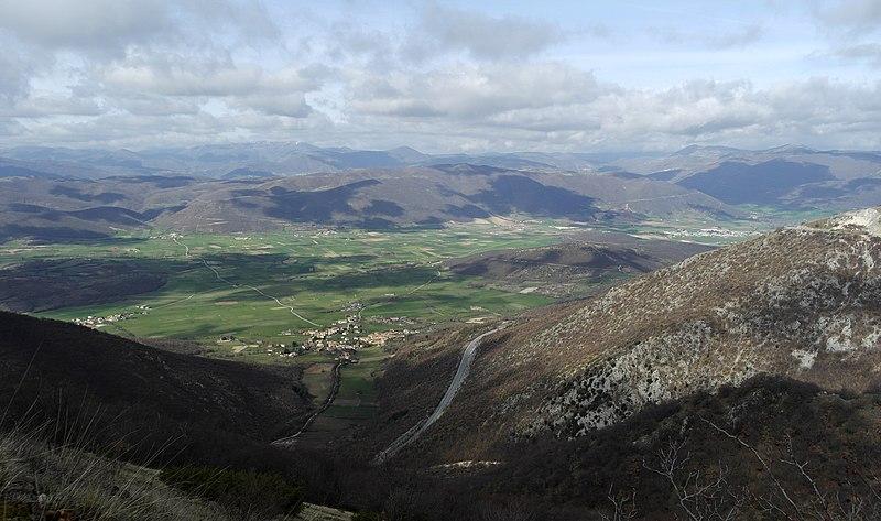 File:Norcia, Province of Perugia, Italy - panoramio - trolvag (4).jpg