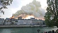 Notre-Dame de Paris, Incendie 15 avril 2019 19h13.40.jpg