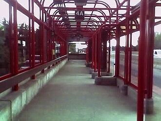 Queensway station (Ottawa) - Platform 4A, serving eastbound Queensway/417