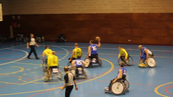 Archivo:ONCE v Burgos, Madrid, December 14, 2013 Video 02.ogv