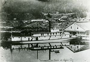 Occident (sternwheeler) - Occident at the boat basin in Oregon City, probably in the late 1870s.