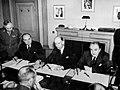 Ondertekening van de monetaire overeenkomst (1943).jpg