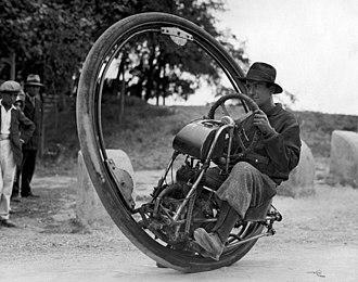 Monowheel - 1931 monowheel by Goventosa