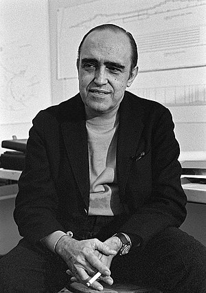 Oscar Niemeyer - Oscar Niemeyer in 1968