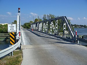 Blackburn Point Bridge - Image: Osprey FL Blackburn Point Bridge 02