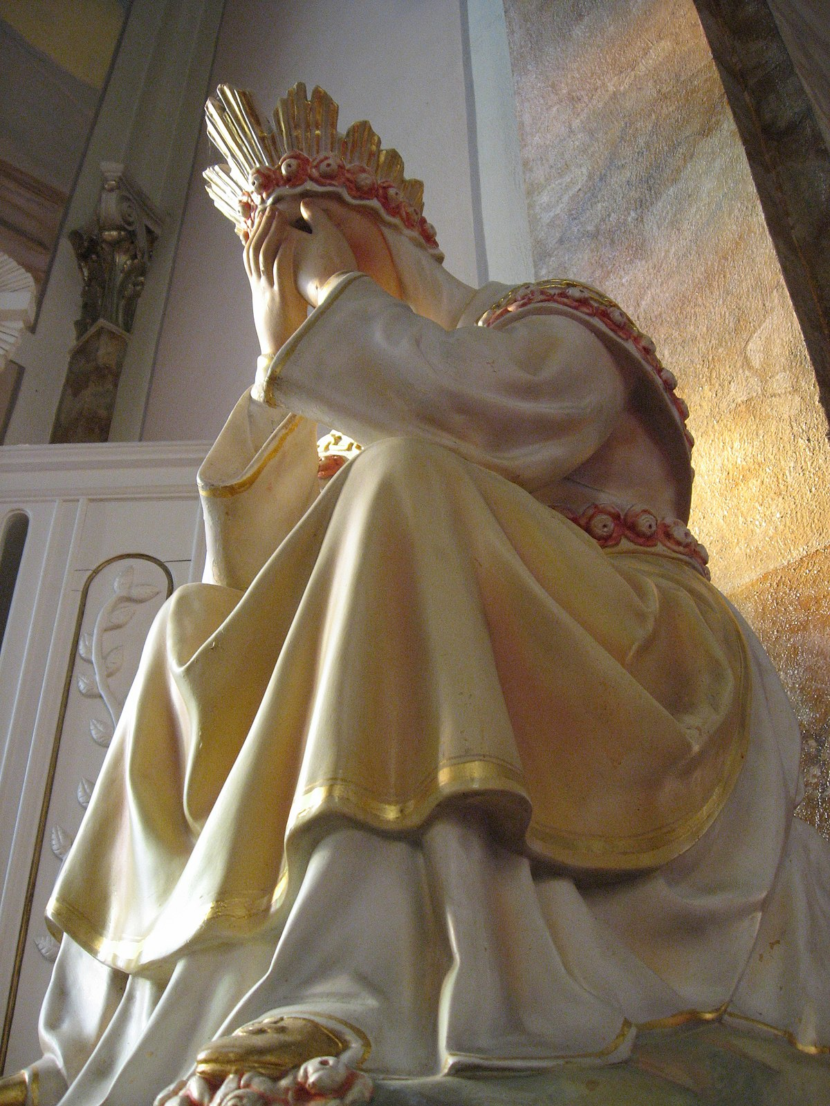 https://upload.wikimedia.org/wikipedia/commons/thumb/7/70/Our_Lady_of_La_Salette_(crying).jpg/1200px-Our_Lady_of_La_Salette_(crying).jpg