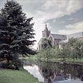 Overzicht met kerk, kerktoren en gracht - Vianen - 20379704 - RCE.jpg