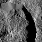 PIA20693-Ceres-DwarfPlanet-Dawn-4thMapOrbit-LAMO-image115-20160330.jpg