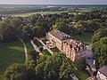 Pałac Ostromecko z drona.jpg