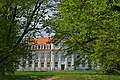 Pałac biskupów kujawskich od strony parku - panoramio.jpg