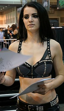 Paige at WWE Axxess 2014.jpg