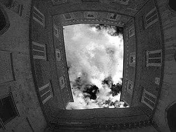 Palazzo del Governo (Ancona) - cortile interno.jpg
