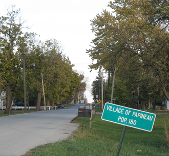Papineau, Illinois - Looking into Papineau from the west