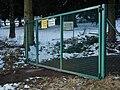 Parkanlage Tor Rehaklinik Kohlhof.JPG