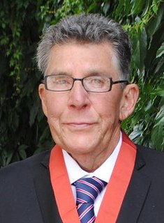 Paul Holmes (broadcaster)