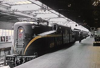 Pennsylvania Railroad class GG1 - Pennsylvania Railroad GG-1 4899 at Newark, NJ in September 1964