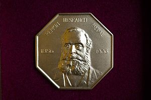 Perkin Medal - Image: Perkin Research Medal 1906 Inno Days 061