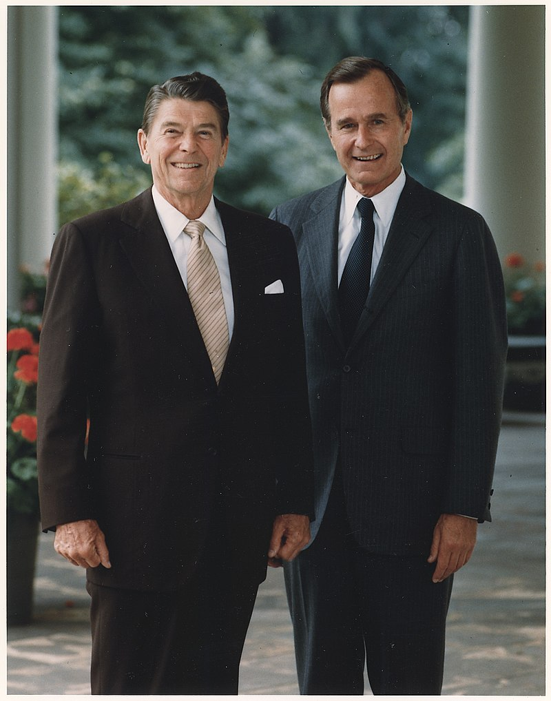 Photograph of the Official Portrait of President Reagan and Vice-President Bush - NARA - 198518.jpg