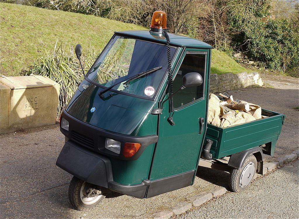 file piaggio ape 50 50cc petrol engine pick up truck. Black Bedroom Furniture Sets. Home Design Ideas