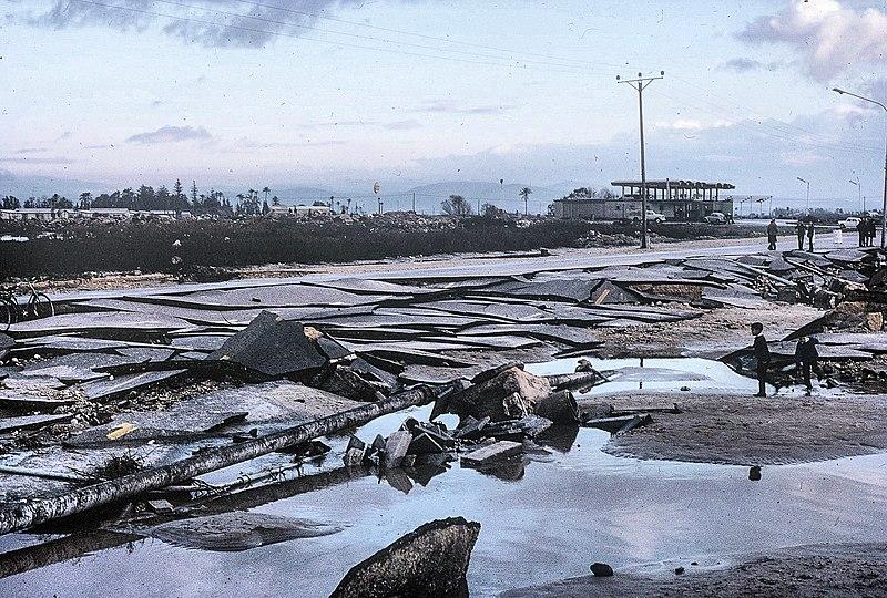 השטפון הגדול/צונמי בחוף עכו