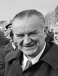 Piotr Jaroszewicz 1977.jpg
