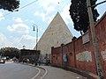 Piramide di Caio Cestio 01.jpg