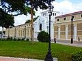 Plaza Bolivar y al fondo Antiguo Hotel Jardin y Gobernacion del estado.jpg