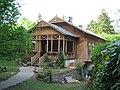 Podkowa Lesna house-traditional.JPG