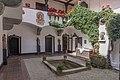 Poertschach Schloss Leonstain Innenhof 27082015 7099.jpg