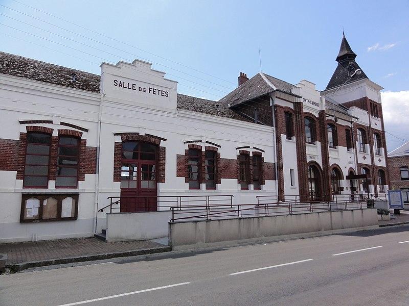 Pont-sur-Sambre (Nord, Fr) Salles des fêtes, mairie