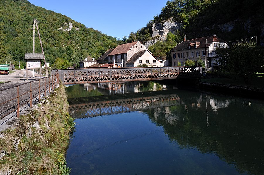 Bridge over the Loue to the former railway station in Lods; Doubs, France.